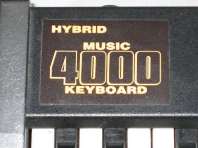 El juego de las imagenes-http://chrisacorns.computinghistory.org.uk/8bit_Upgrades/Hybrid_Music4000B.jpg